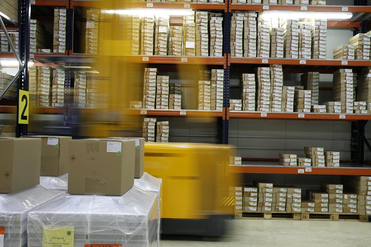 Co to jest, czym zajmuje się logistyka? Logistyka- kierunek z przyszłością?